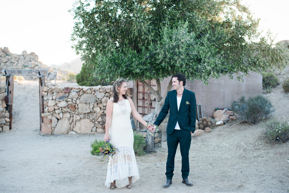 Destination Wedding Photography Joshua Tree Wedding Photography Le Haut Desert Aerie083