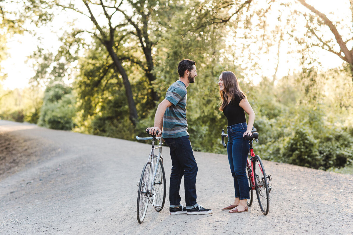 AVH_Photography_engagement_session_bidwell_park_california__V1_8131