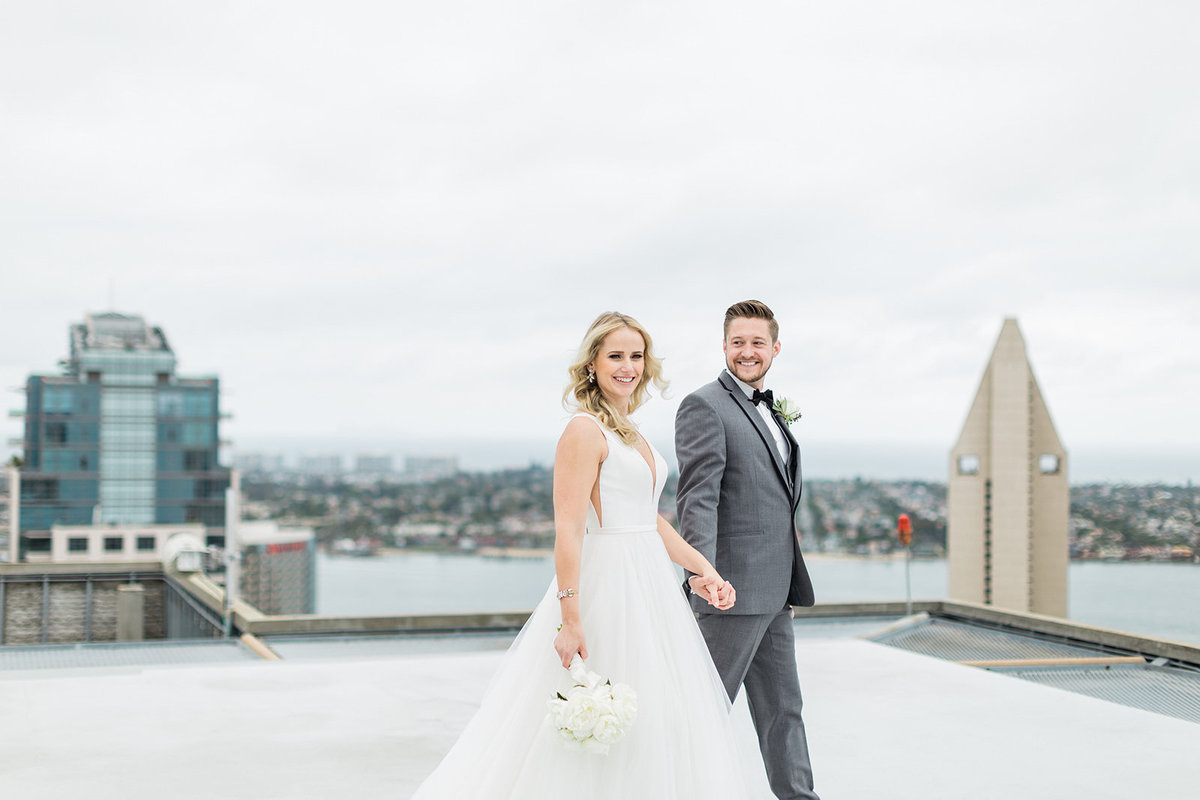 51_Downtown_San_Diego_Wedding_Photographers_Roof_Top