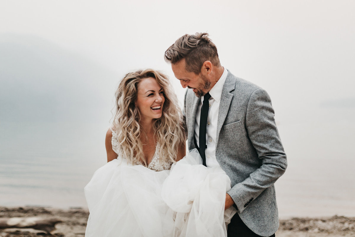 athena-and-camron-sara-truvelle-bridal-wenatchee-elopement-intimate-19-tulle-wedding-dress-smile