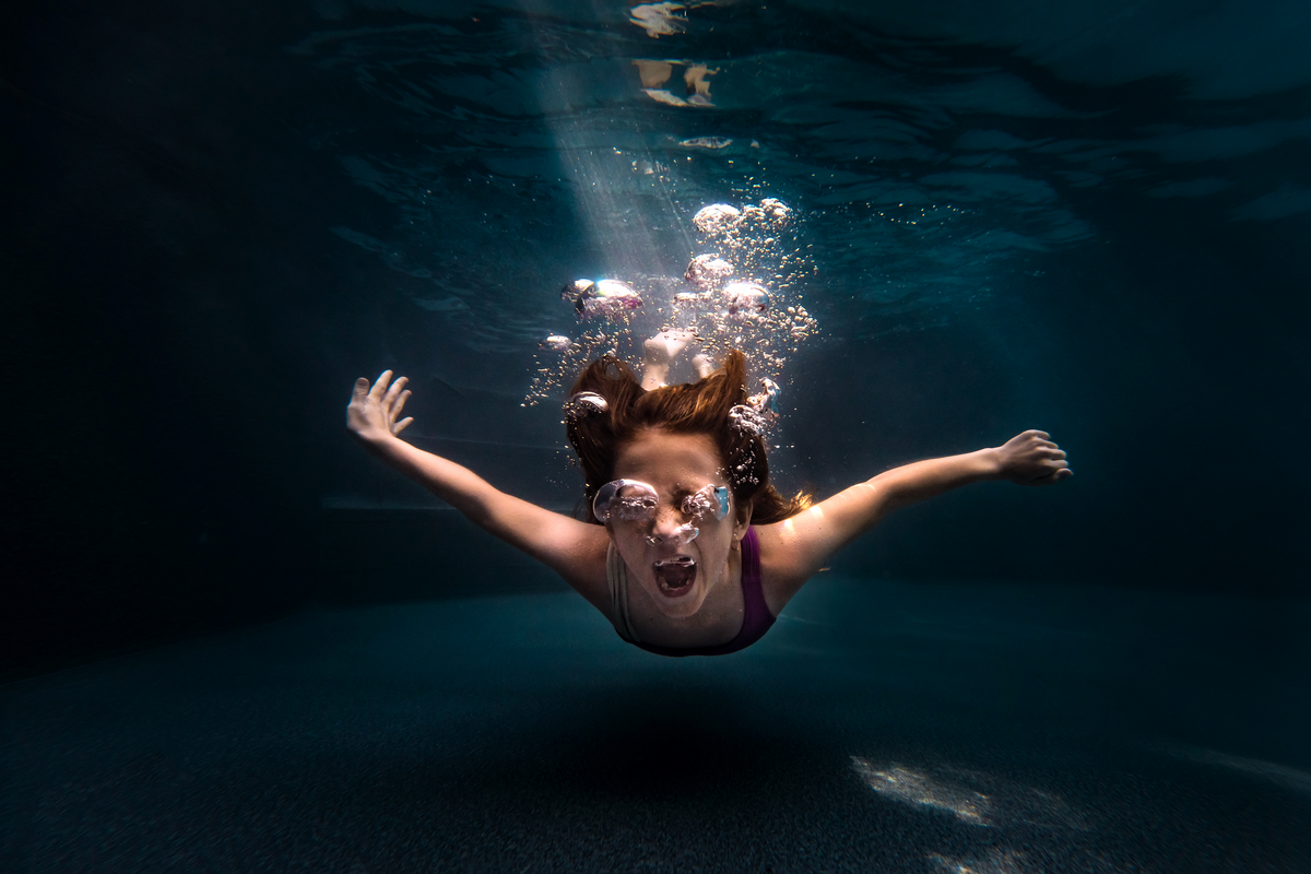 underwater photographer, columbus, ga, atlanta, pool, young girl swimming, ker-fox photography_4396
