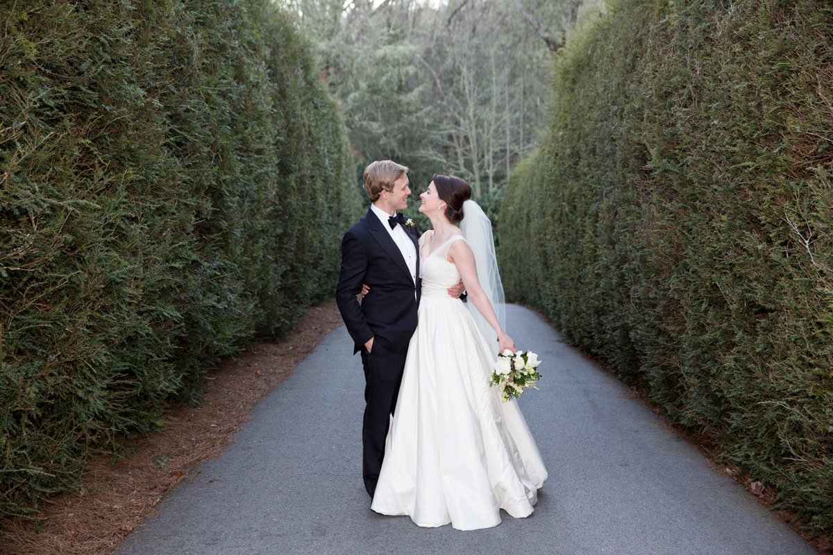 0042_Old-Edwards-Inn-Highlands-NC-Winter-Wedding