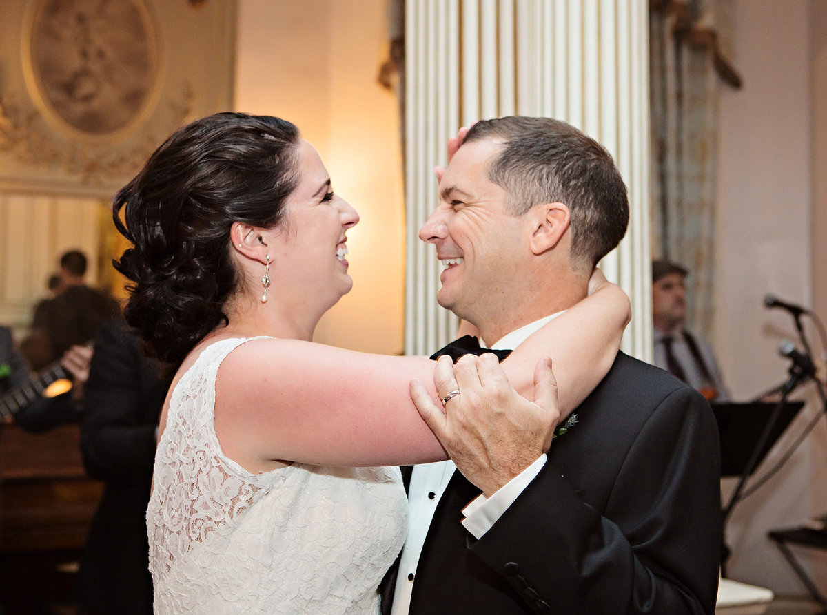 New Orleans bride and groom's first dance at The Columns Hotel