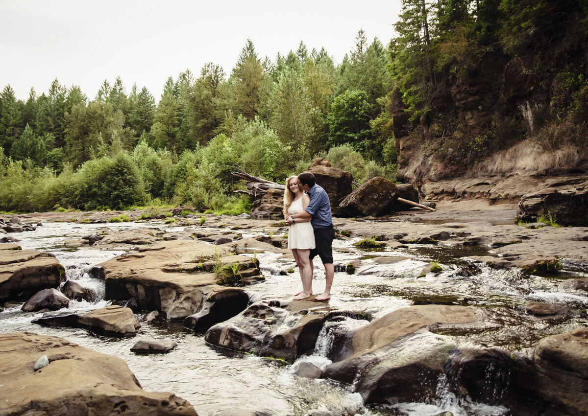 river engagement photos_65
