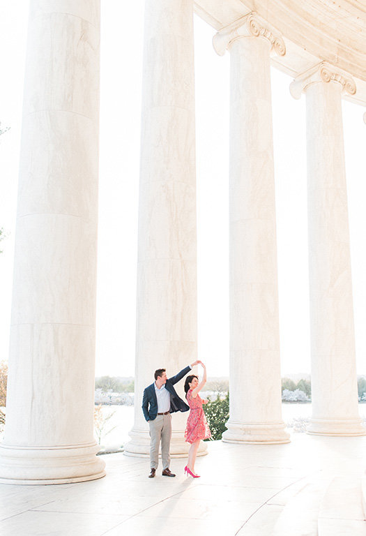 Lincoln-memorial-first-dance-film-photography-engagement
