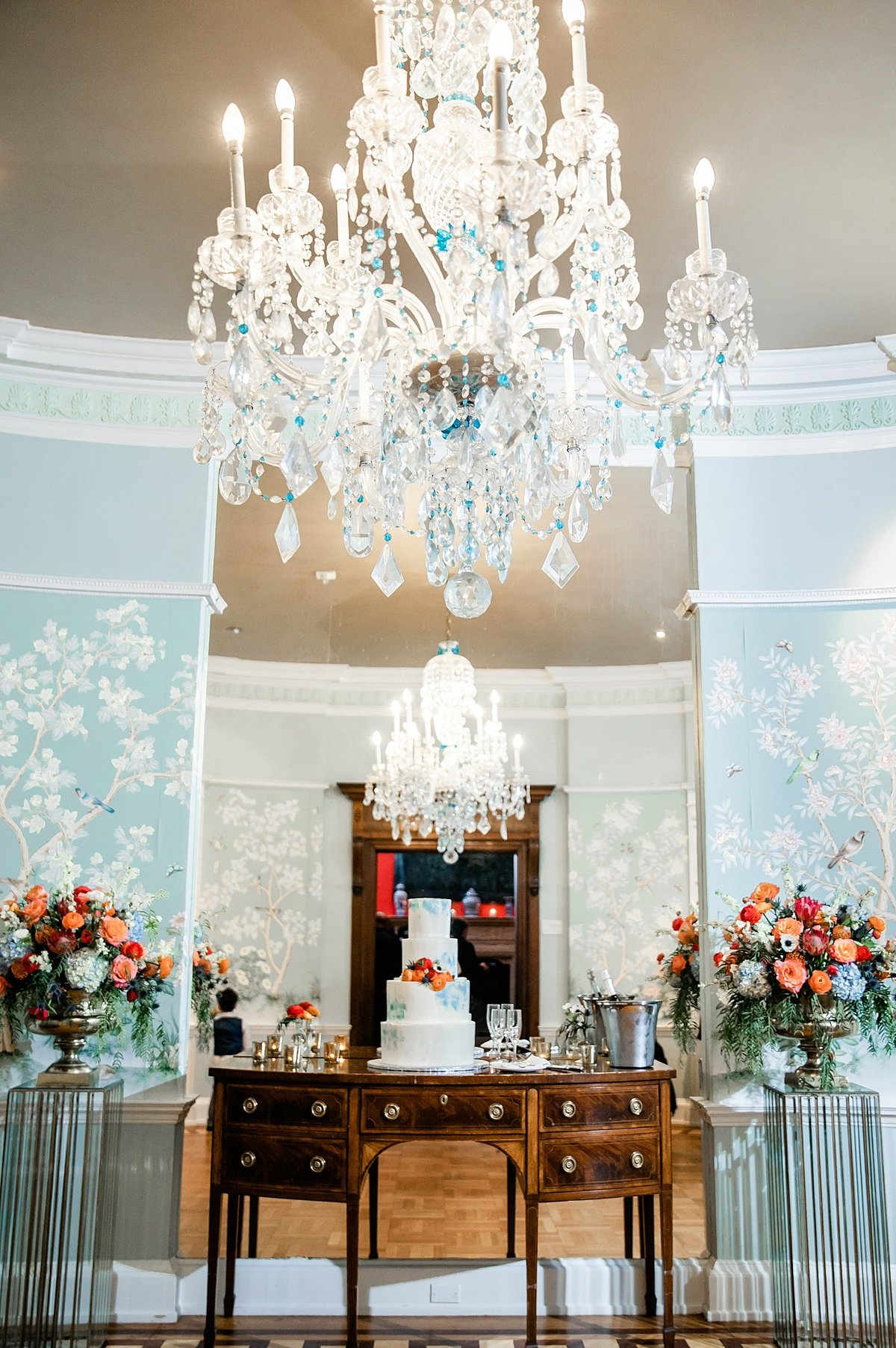 Dallas-Le-Meridien-Stoneleigh-wedding-in-downtown-by-Julia-Sharapova-Photography_0125