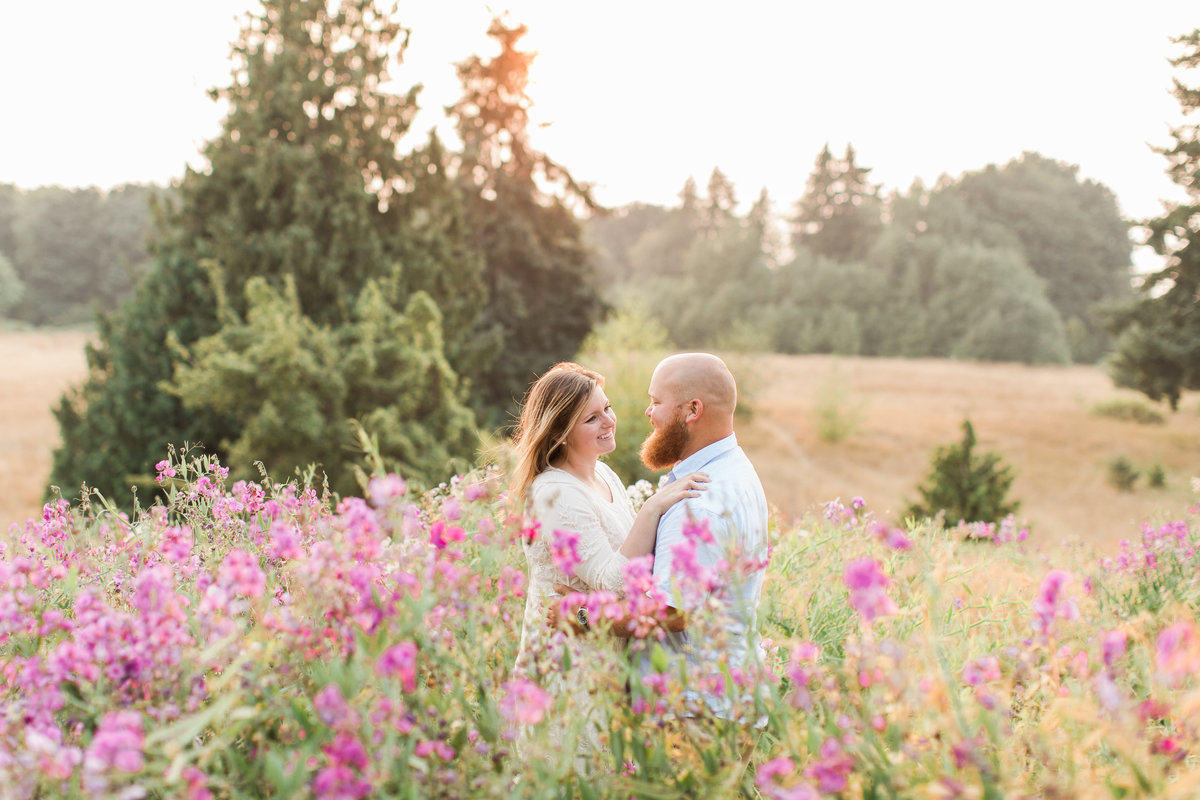 Snohomish_Wedding_Photographer_Engagement_Photography_Discovery_Park_Photos
