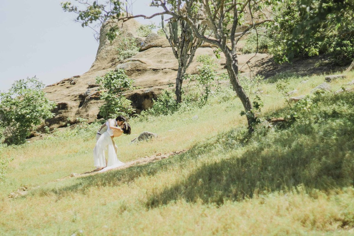 Romantic-wedding-at-the-mountain