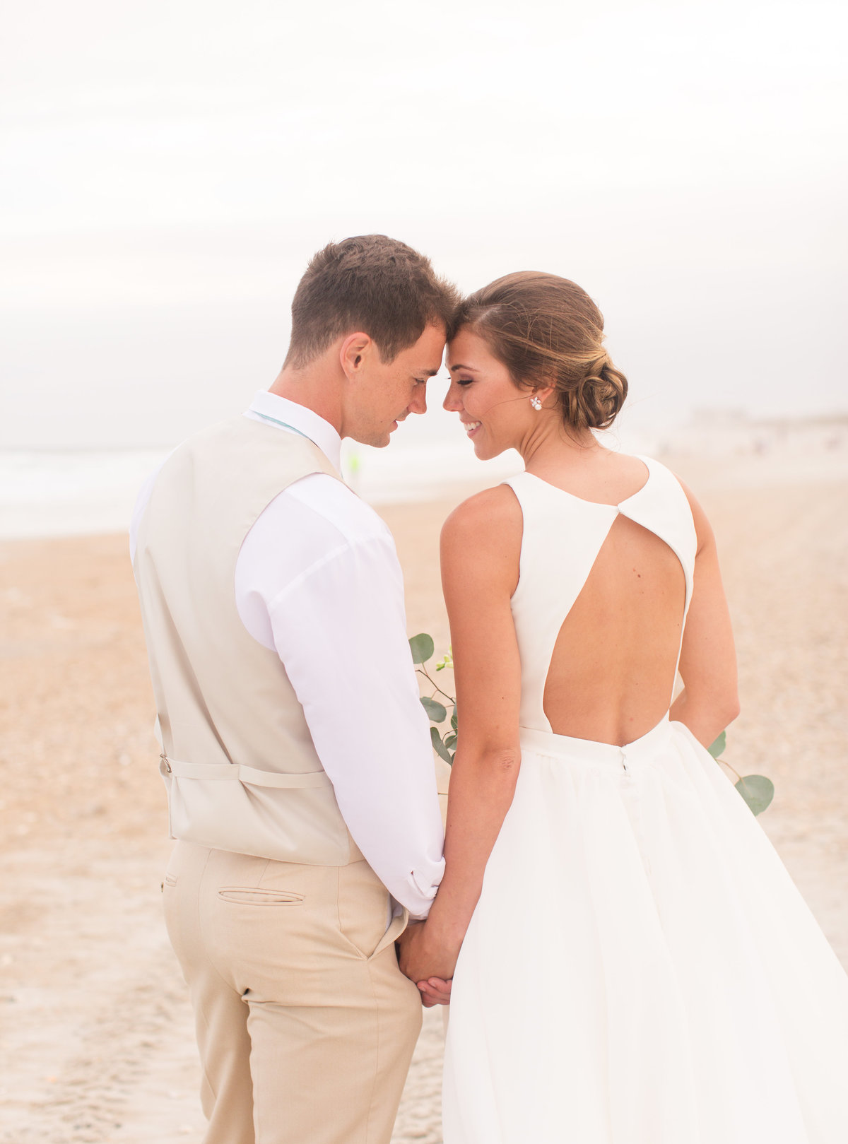 Shell Island Resort wedding by Marie Hamilton Photography