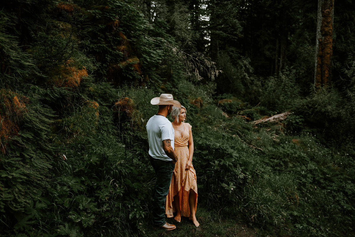 sahalie-falls-oregon-engagement-elopement-photographer-central-waterfall-bend-forest-old-growth-7008