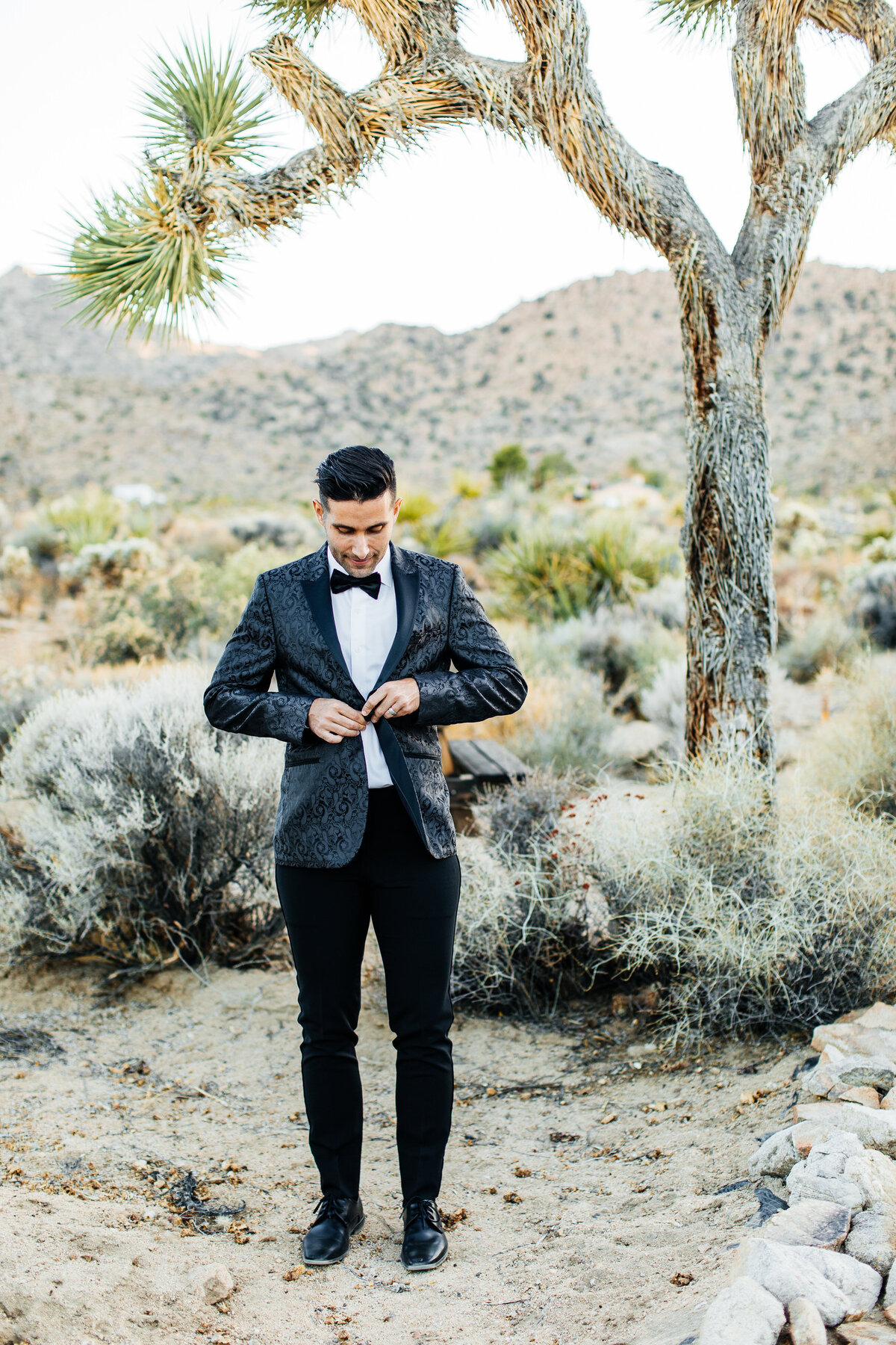 colorful-joshua-tree-elopement-inspiration-joshua-tree-wedding-photographer-palm-springs-wedding-photographer-erin-marton-photography-37