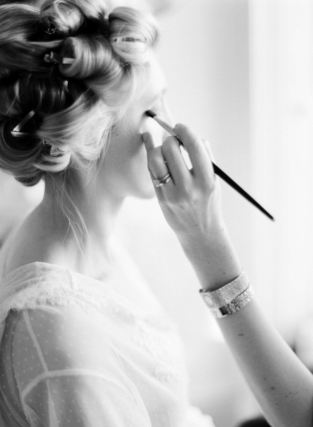 33-KTMerry-weddings-hair-makeup-prep