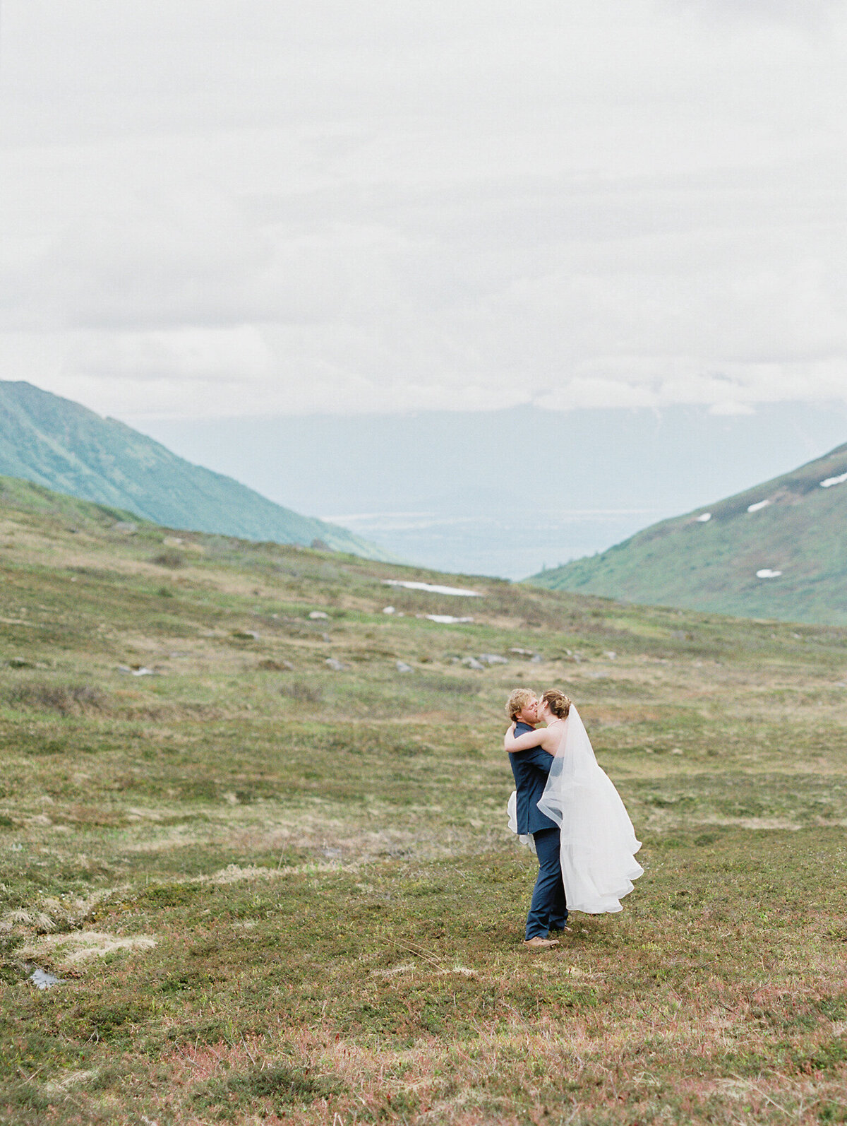 Alaska elopement photographer