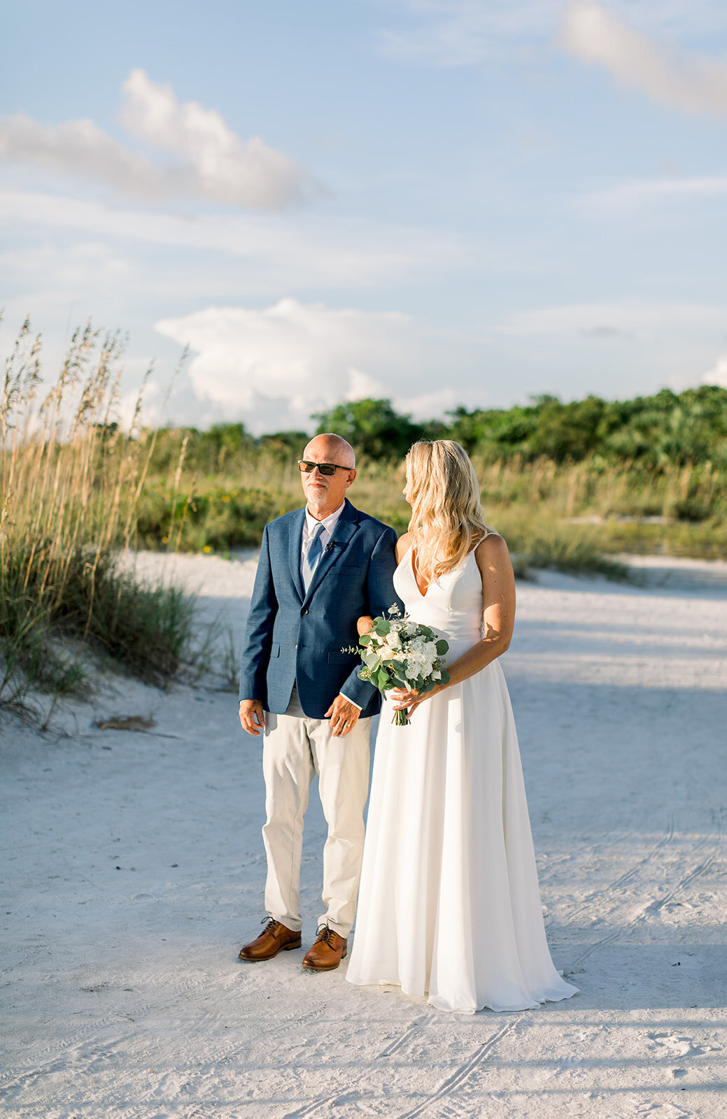 alex-mike-bowditch-beach-fort-myers-wedding-photos-1176