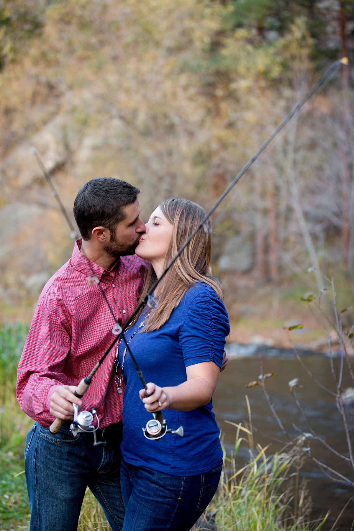 colorado-fishing-engagement-photos