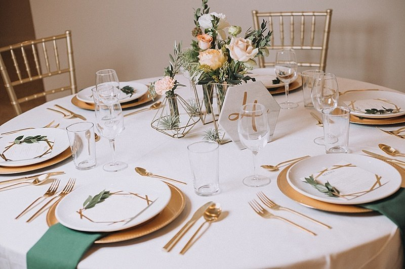 Omaha-Nebraska-Hotel-Deco-geometric-emerald-and-gold-wedding-inspiration-by-Lindsay-Elizabeth-Events55