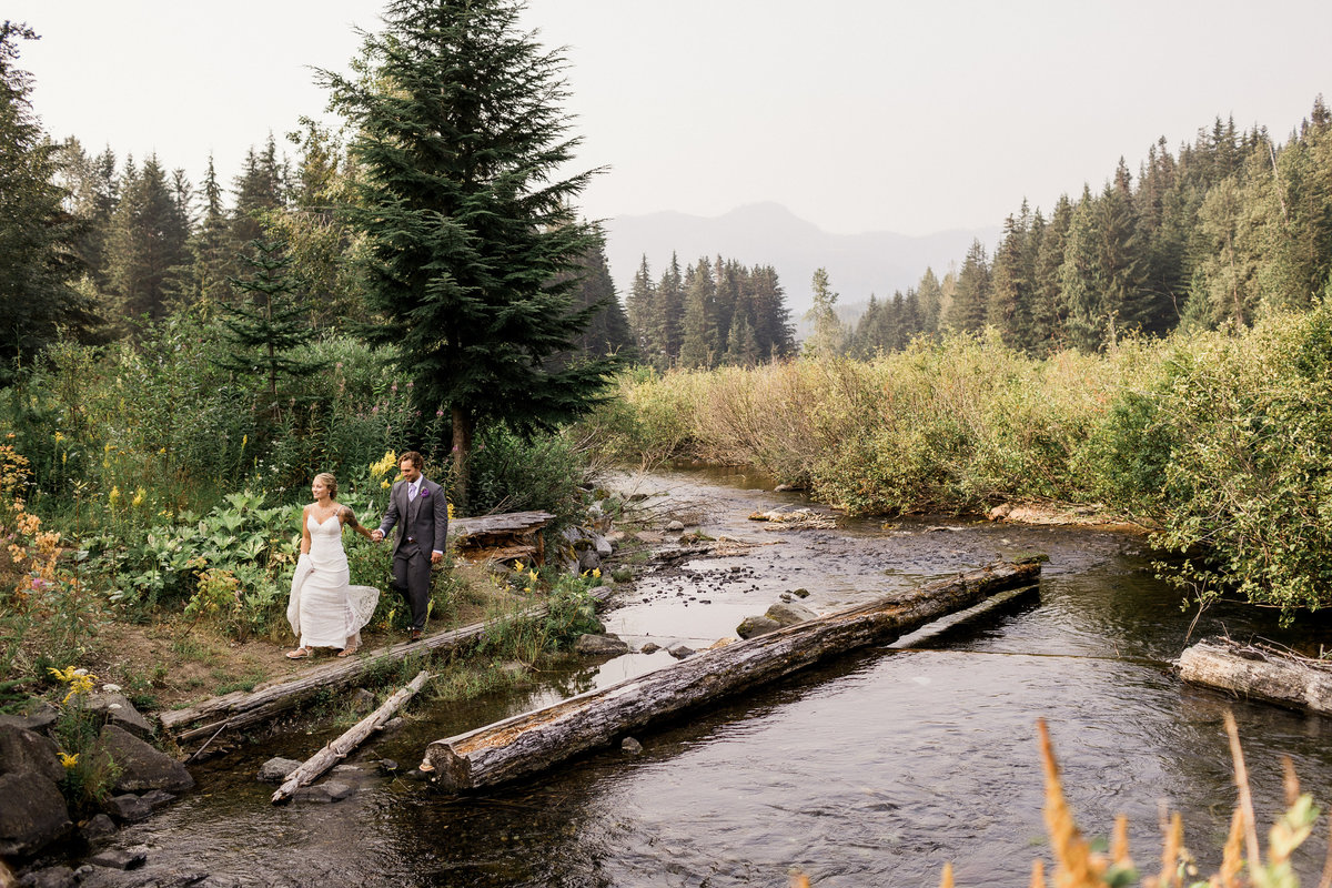Snoqualmie-Pass-Elopement-Gold-Creek-Pond-87