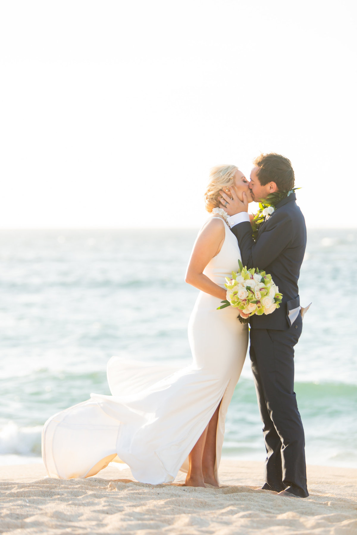 Maui wedding photography - Kiss