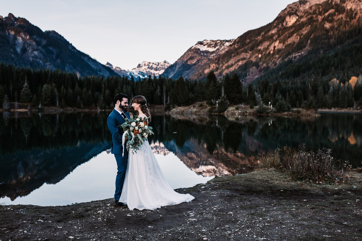 Oregon_elopement_Gold_Creek_pond_Adventure_wedding_photography (382 of 793)