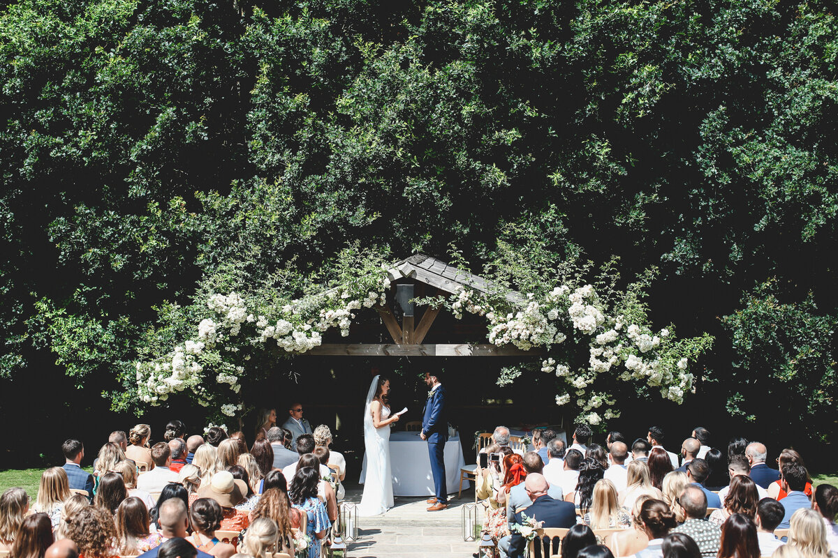 BURY-COURT-BARN-WEDDING-SUMMER-0032
