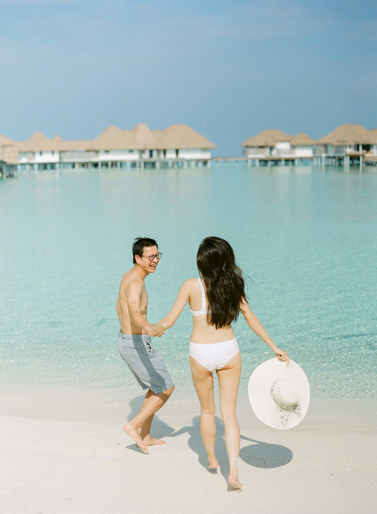 21-KTMerry-destinationwedding-beach-photos-Maldives