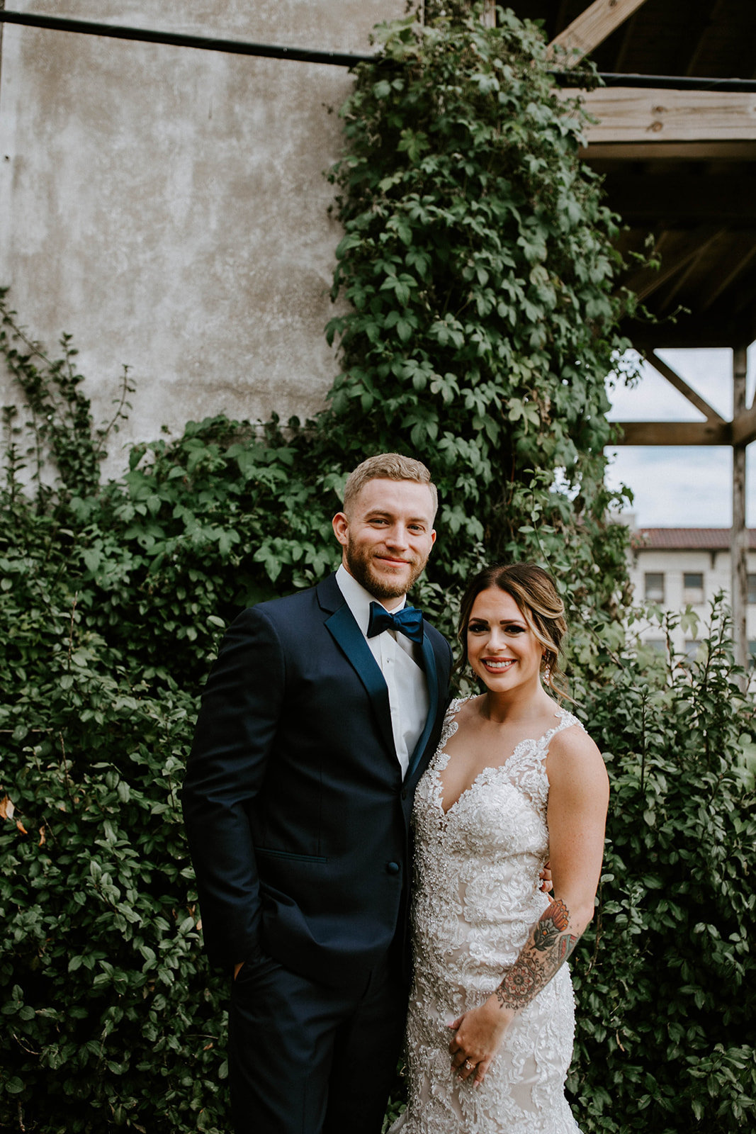 ALTON ILLINOIS WEDDING - OLD CRACKER FACTORY - WOW FURNISHINGS - THE LOVELY LENS PHOTOGRAPHY-203_websize