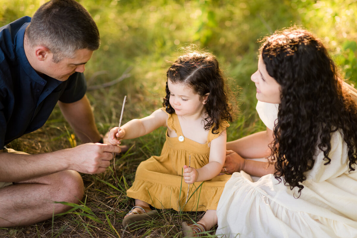 Boston-family-photographer-bella-wang-photography-Lifestyle-session-outdoor-wildflower-33