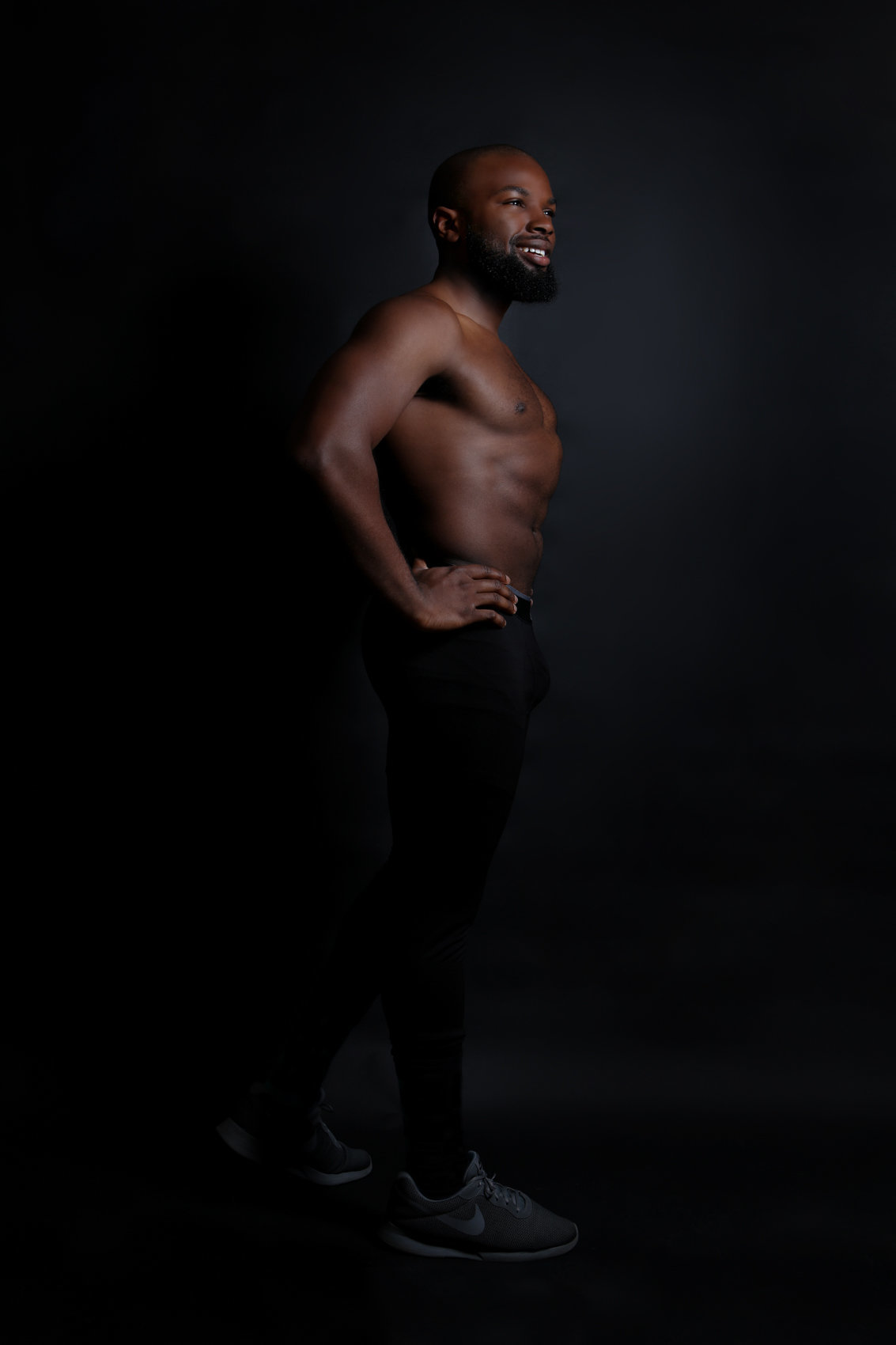 In-Studio Fitness Photoshoot with a Dramatic Black Backdrop at Lisa DeNeffe Photography