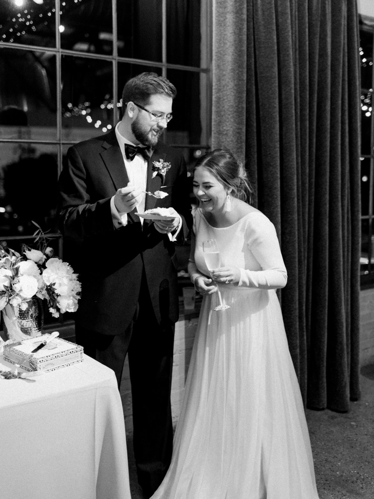 Courtney Hanson Photography - Festive Holiday Wedding in Dallas at Hickory Street Annex-4439