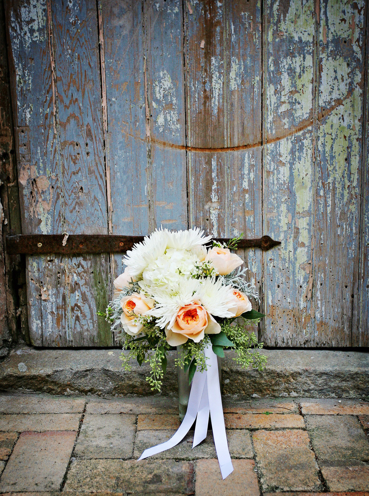 Race-and-Religious-wedding-bouquet