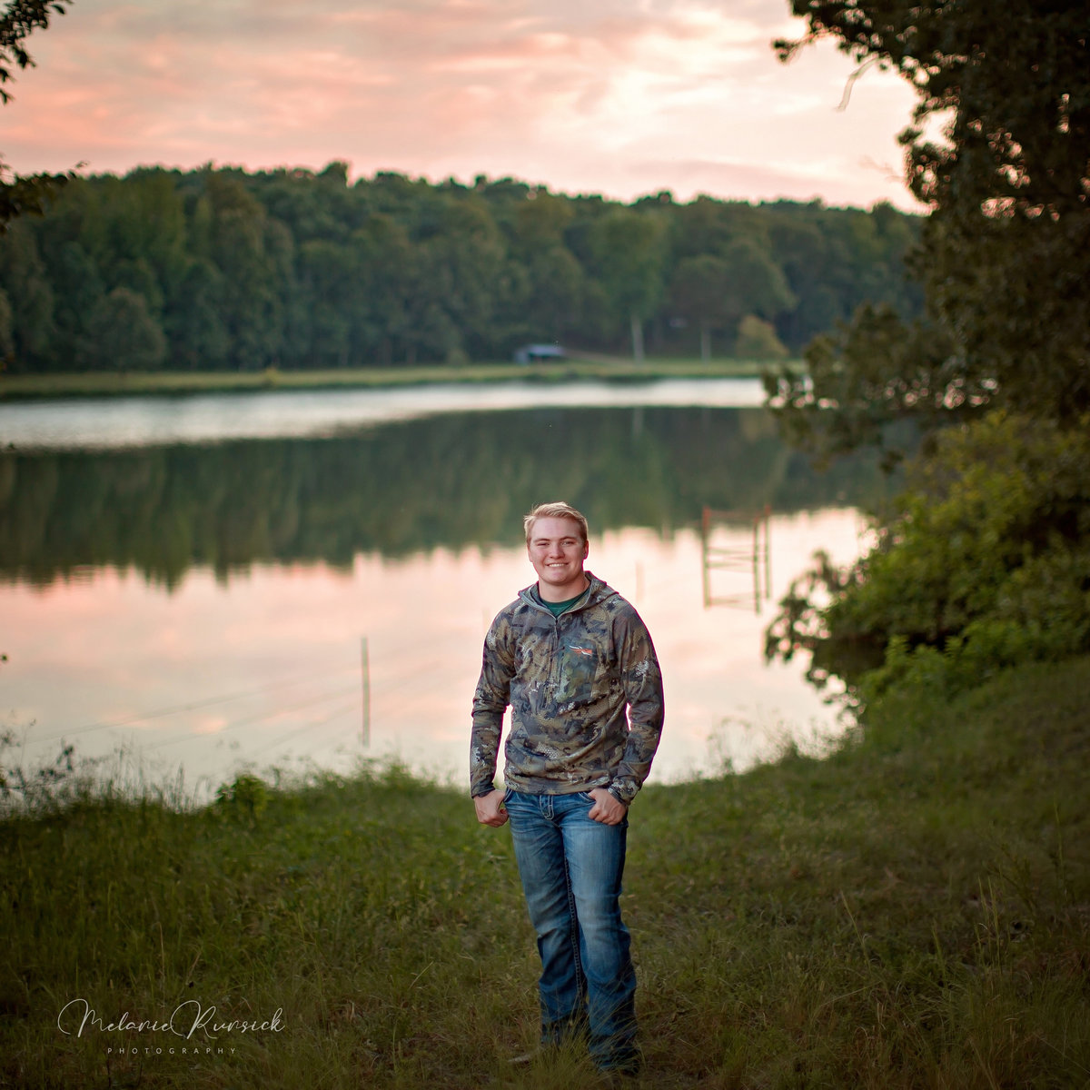 guys outdoor senior photographer Melanie Runsick Photography