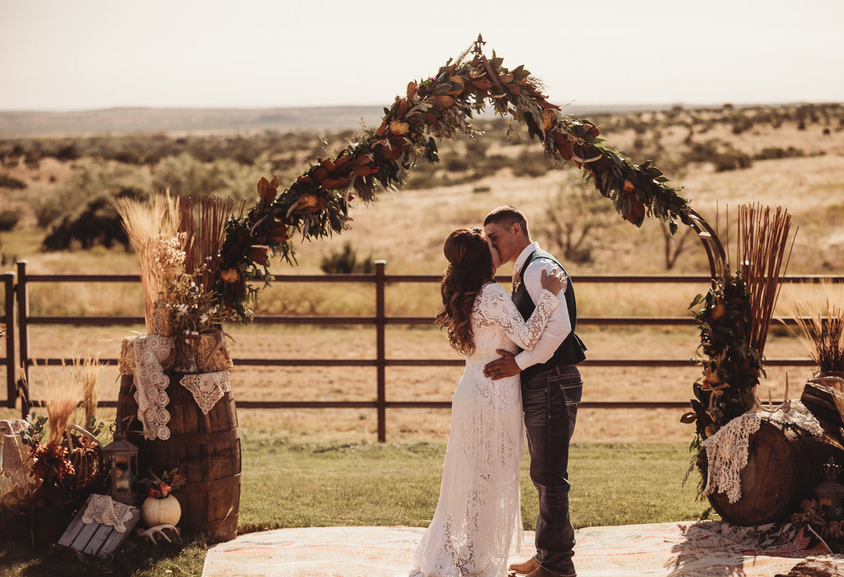 texas-ranch-wedding-native-roaming-147