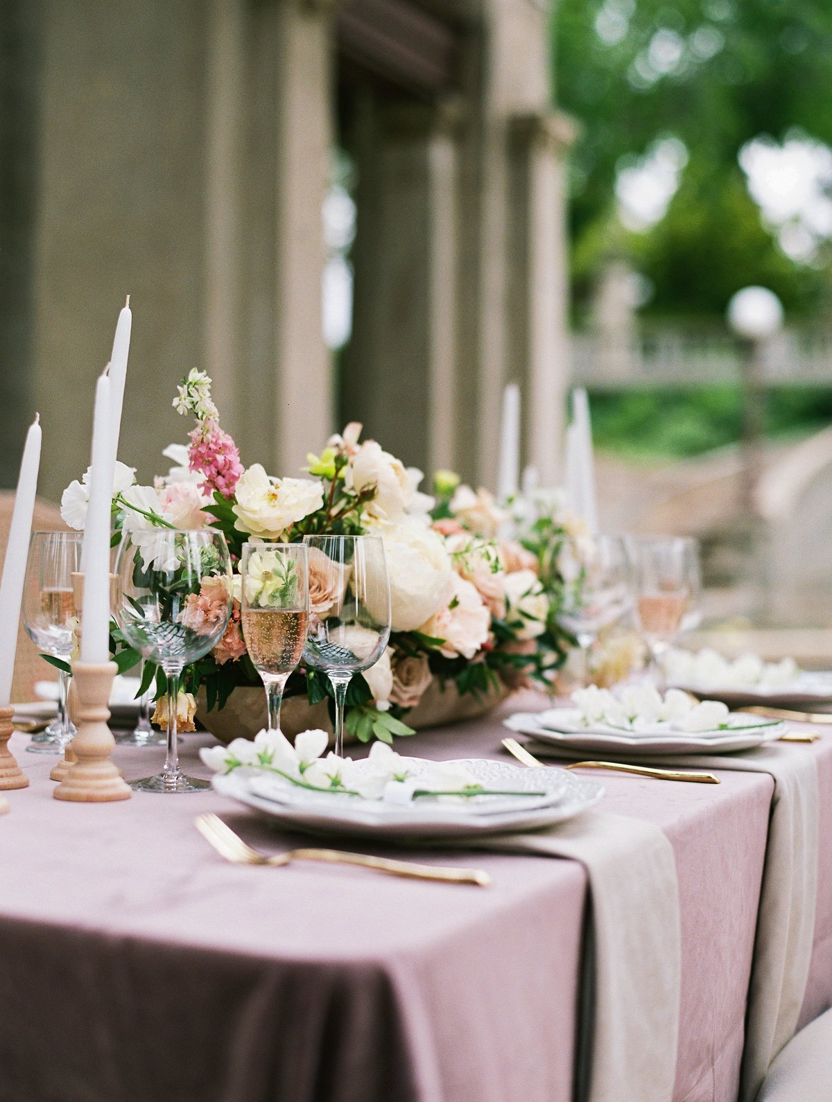 daniel-and-bethany-weddings-recption-table-scape