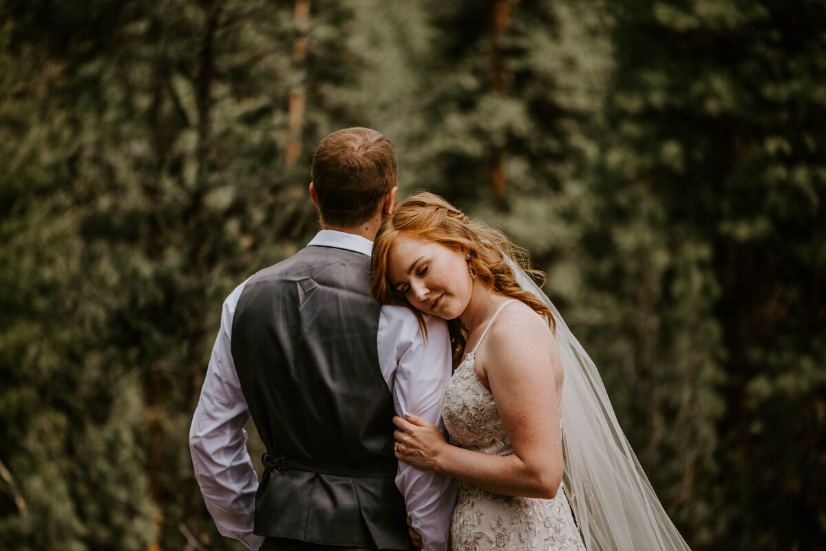 ochoco-forest-central-oregon-elopement-pnw-woods-wedding-covid-bend-photographer-inspiration2308