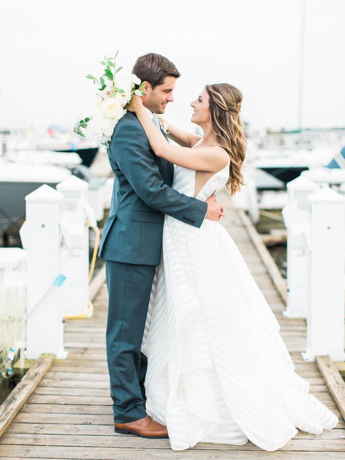 gorgeous-grosse-pointe-michiga-yatch-club-wedding