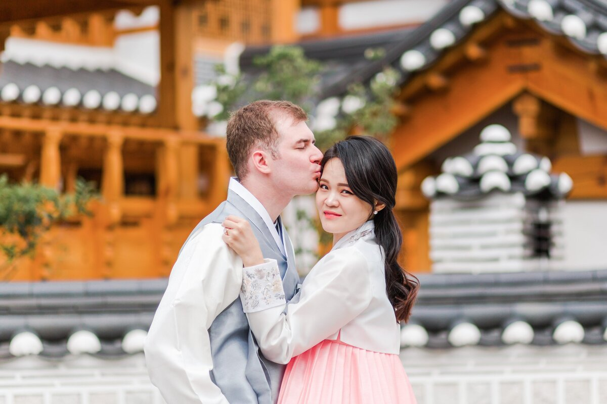 Seoul-South-Korea-Bridal-Engagement-Shoot-Eunpyeong-Village-Hanok-0005