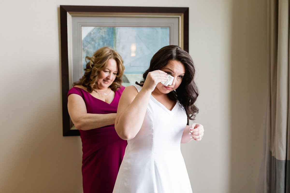 Rachel-Matt-Inn-at-St-Johns-Wedding-Michigan-Breanne-Rochelle-Photography13