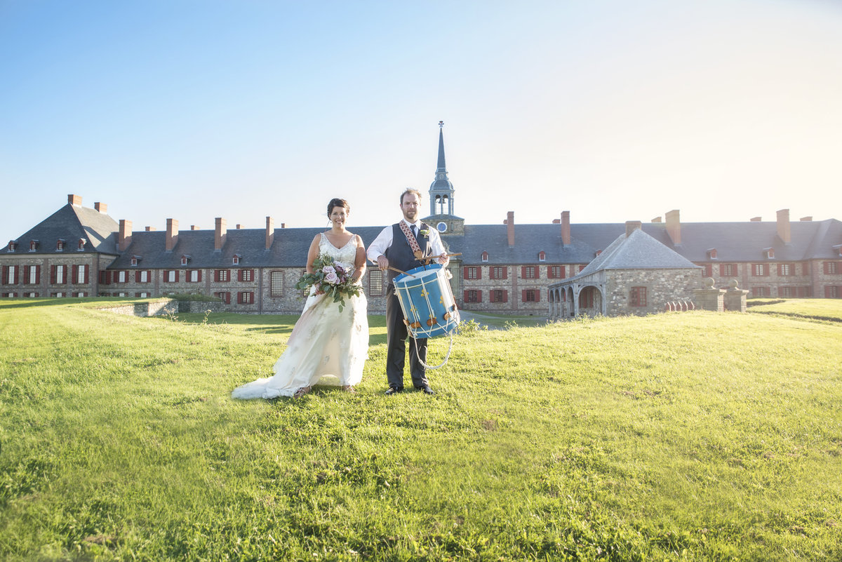 wedding photo-fortress of louisbourg-cape breton