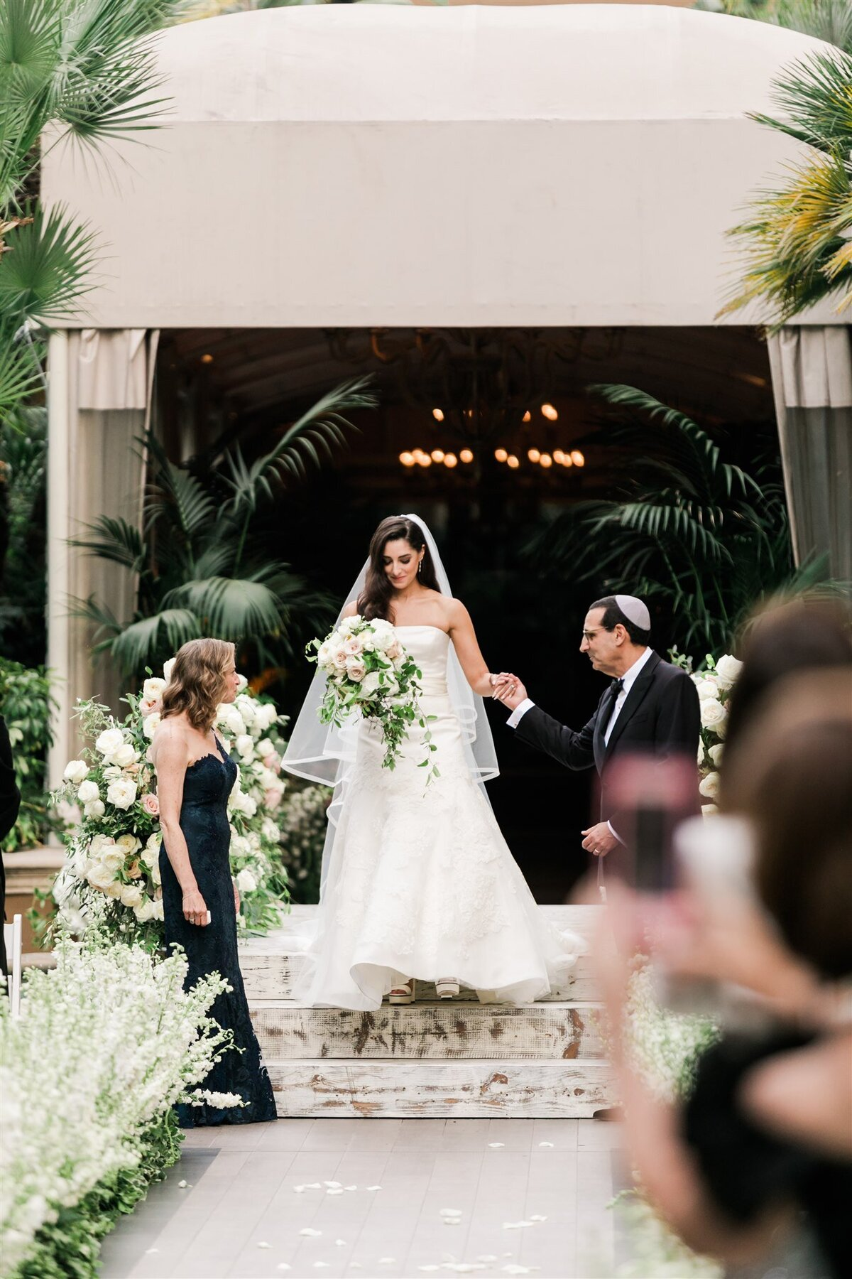 Four Seasons Beverly Hills Wedding-Valorie Darling Photography_ID3A2354