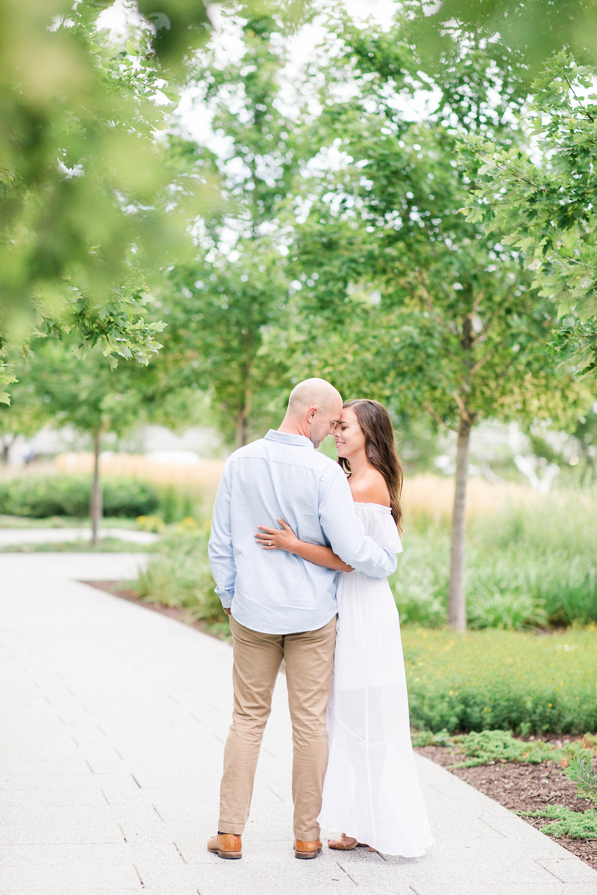 late-summer-milwaukee-engagement-Katie-schubert-wisconsin-wedding-photographer-16