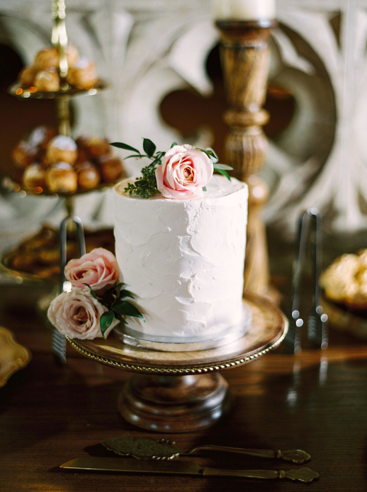 Beautiful simple white wedding cake