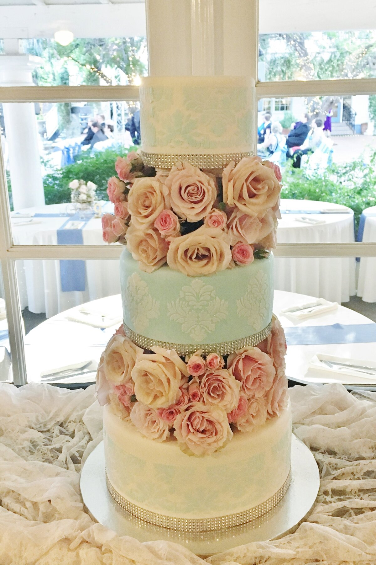 Fondant.floralwreaths.colorfulpinkblue.ADE