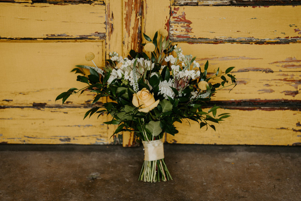 yellow bouquet, knoxville florist