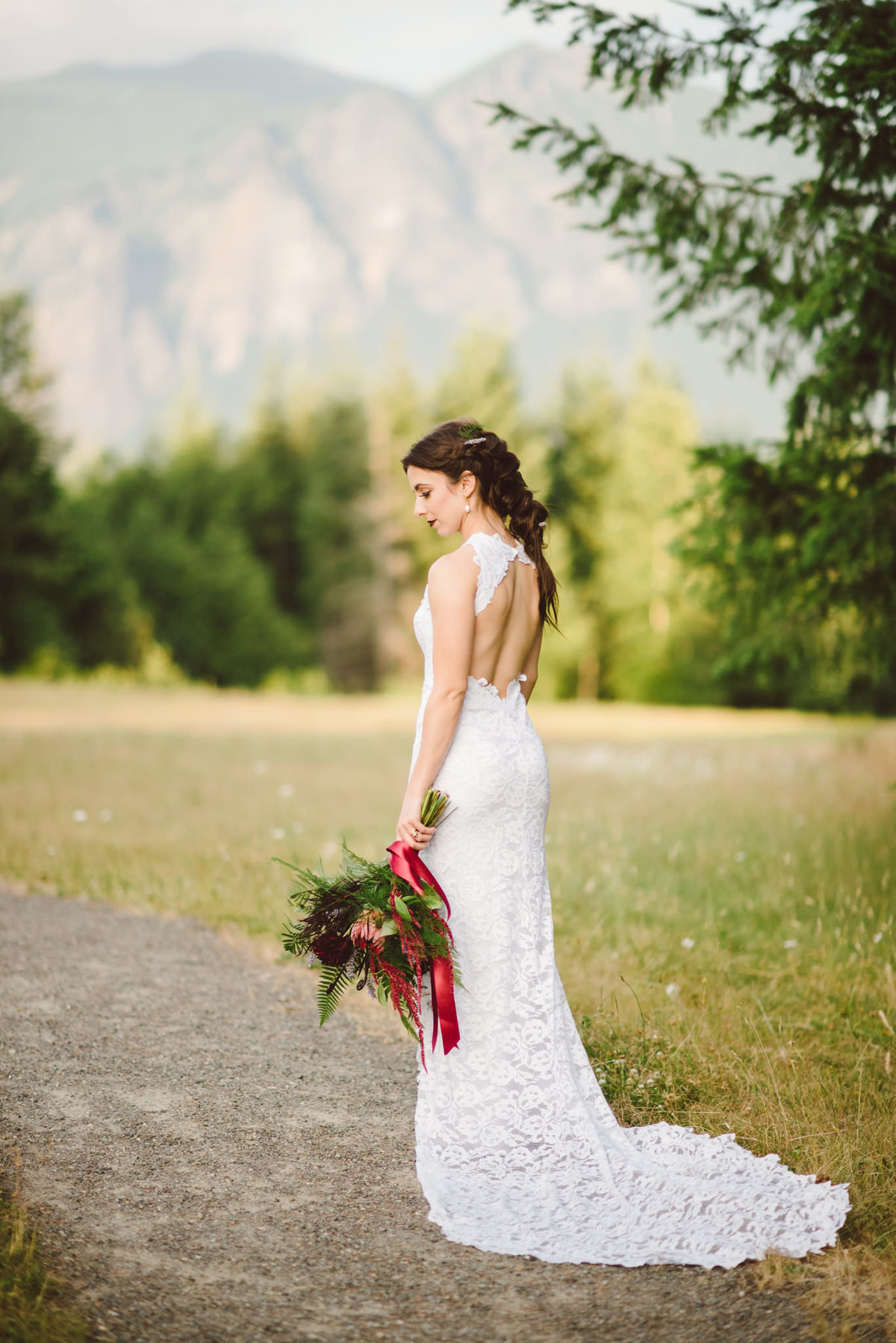 Seattle Wedding Photographer Karissa Roe Snoqualmie Point Park Wedding Photos-5