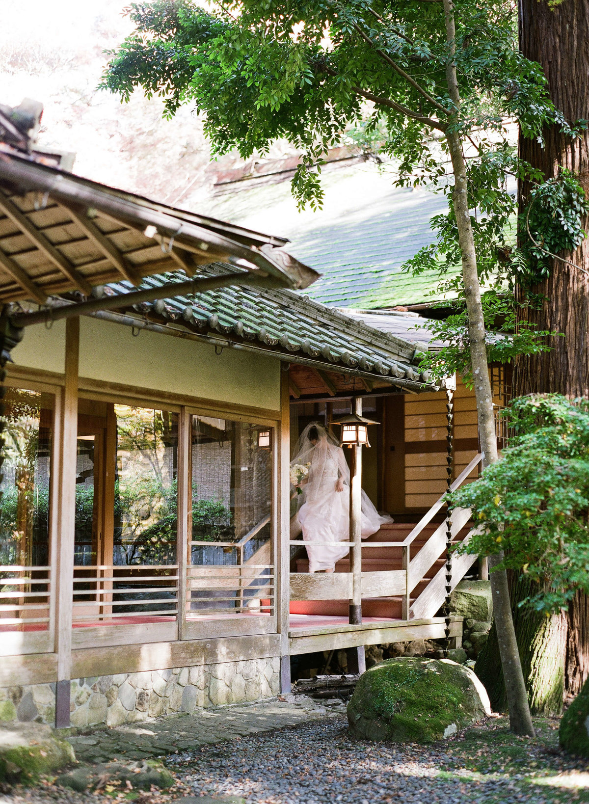 8-KTMerry-weddings-elope-japan-Tsukihitei