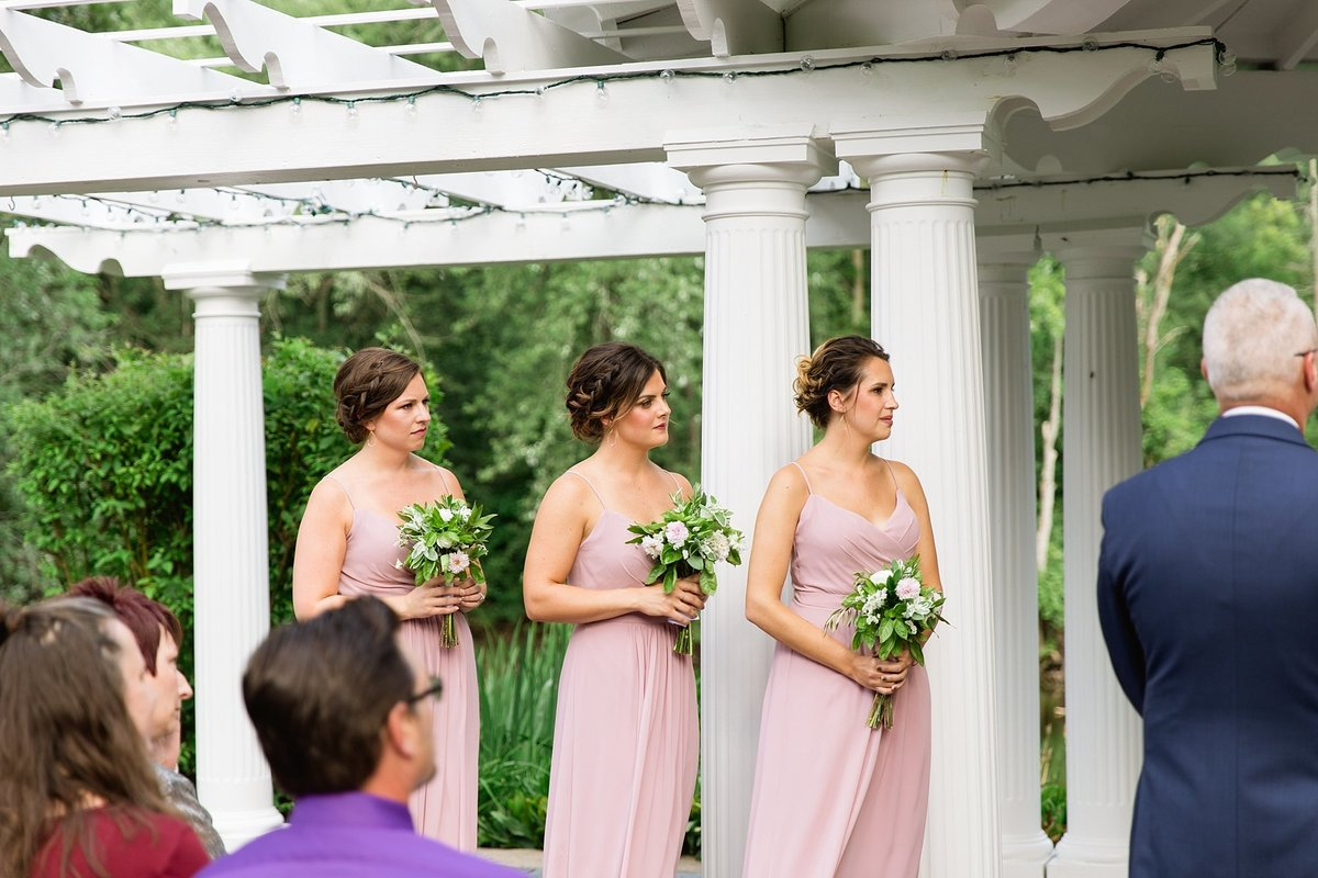 Julie-Barry-English-Inn-Summer-Garden-Wedding-Michigan-Breanne-Rochelle-Photography58