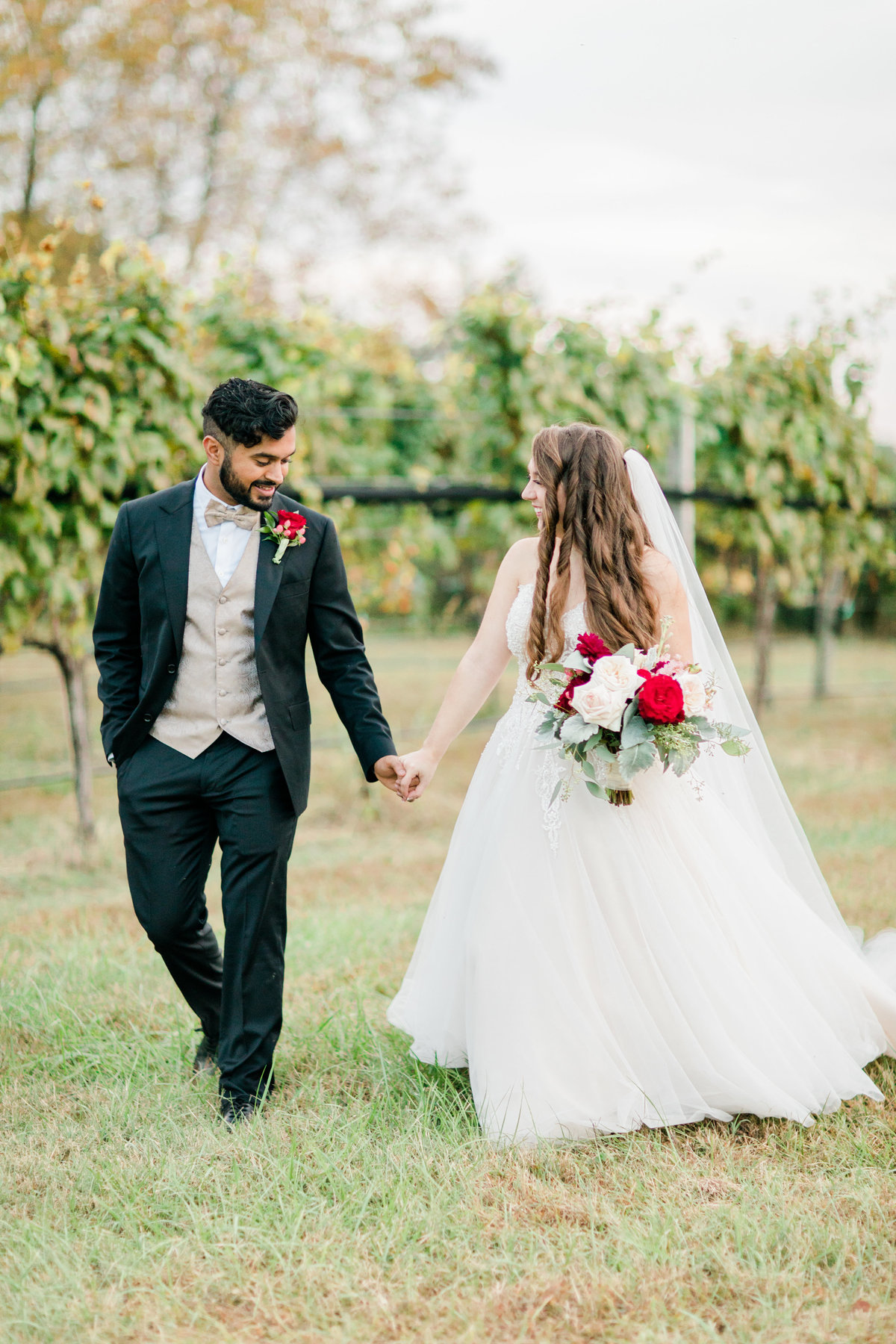 Williamsburg_Winery_Fall_Wedding_Virginia_DC_Photographer_Angelika_Johns_Photography-0020