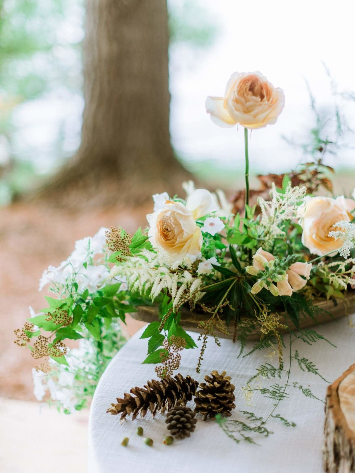 green-and-brown-wedding-flowers