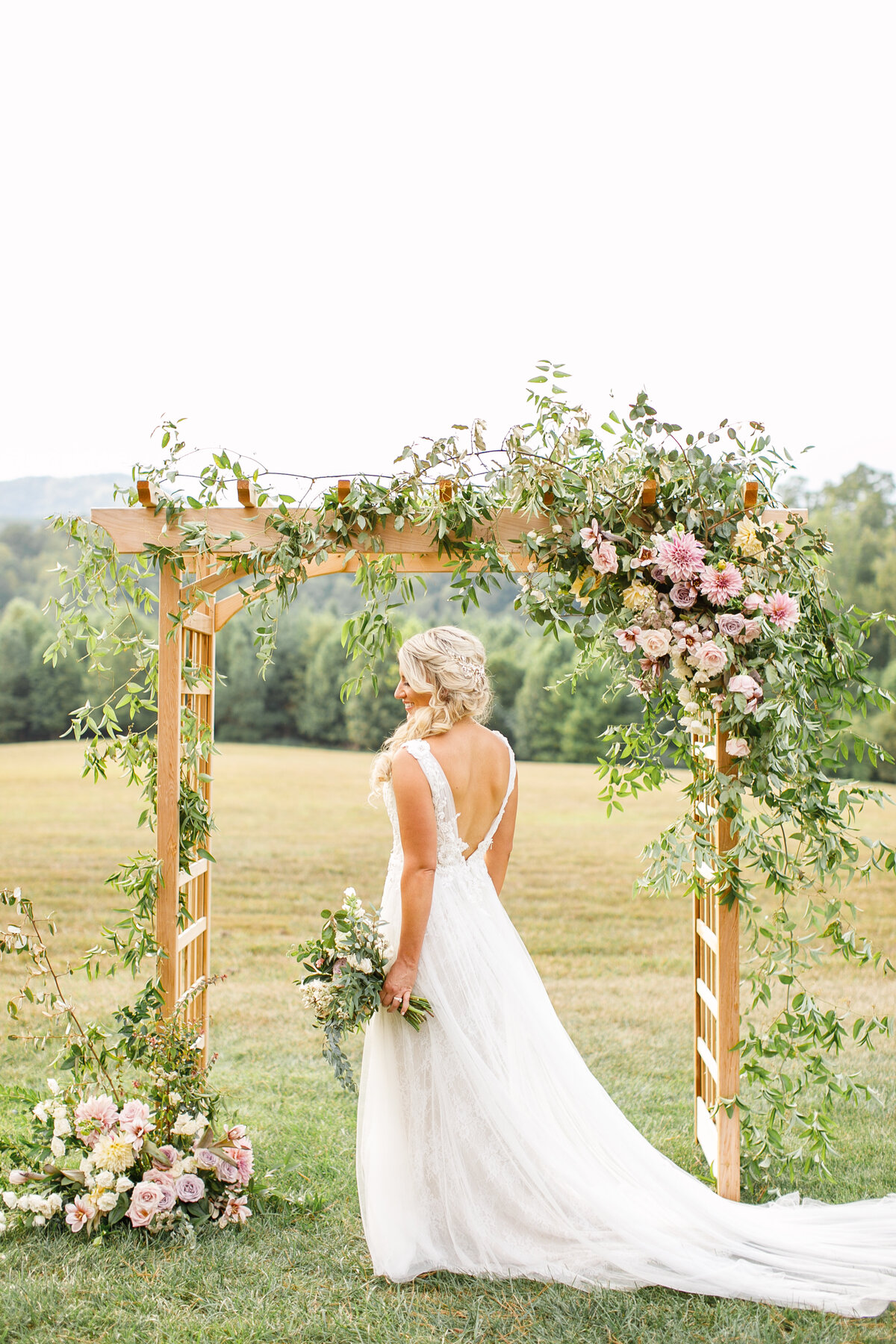 Tara Liebeck Photography Wedding Engagement Lifestyle Virginia Photographer Bright Light Airy112