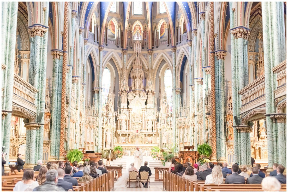 Light-and-Airy-Ottawa-Wedding-Photographer-Wedding-Ceremony-Notre-Dame-Cathedral-Basilica